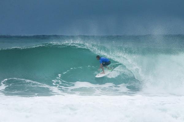 Filipe Toledo na Barrinha (Poullenot / WSL via Getty Images)