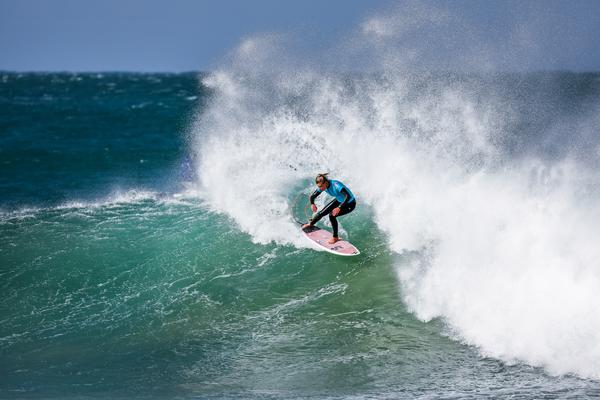 Lakey Peterson em J-Bay (Pierre Tostee / WSL via Getty Images)